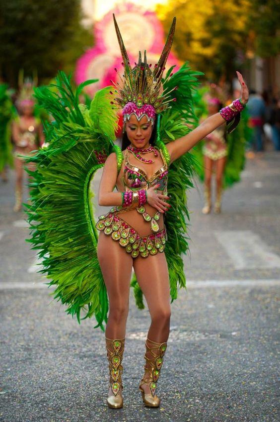 таком интерьере зеленый бразильский костюм для танца фото отдохнуть